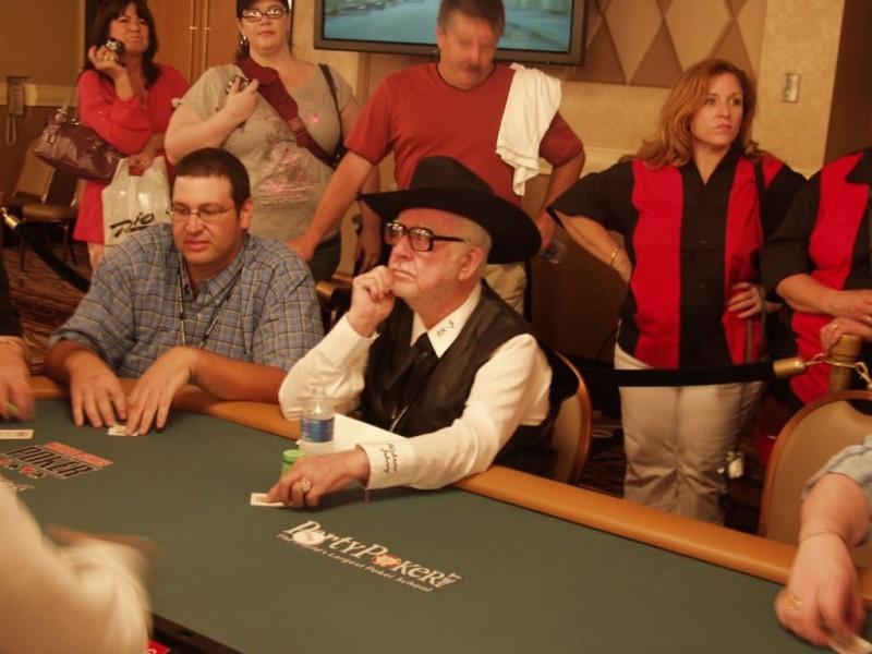 "扑克前辈赛提倡者""Oklahoma"" Johnny Hale逝世,享年92岁"