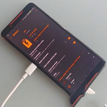 「自己的电自己充」的华硕ROG Phone,简直是世界首款永动机手机