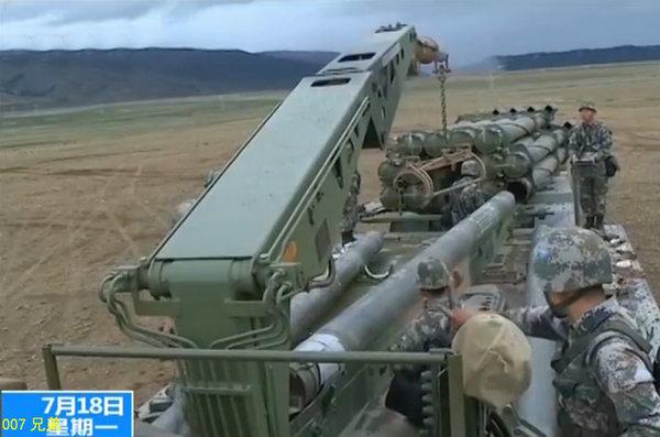 解放军火箭炮精度堪比导弹 命中直径30米靶标