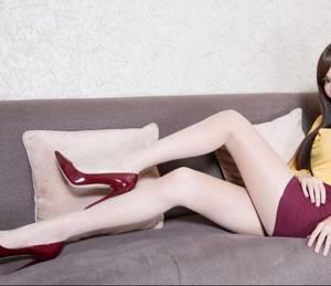 许医生在线阅读 坐在腿上慢慢滑了进去